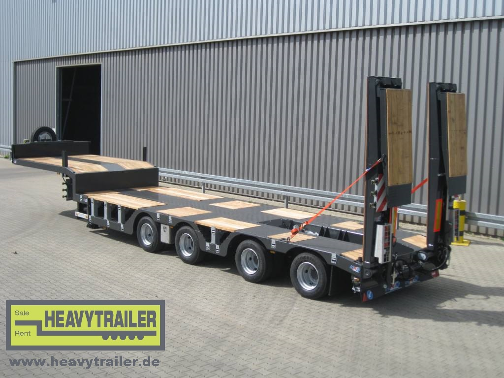 HRD 4 axle low-bed trailer with wheel recess, excavator pit and hydraulic ramps