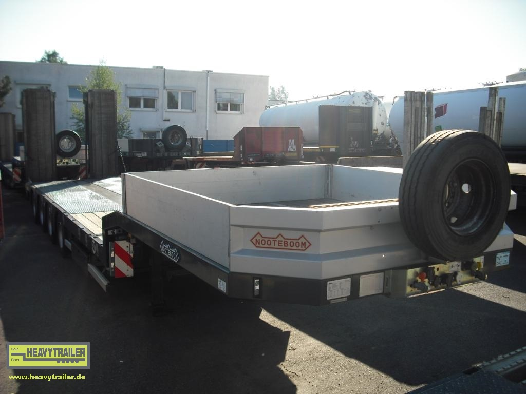 Nooteboom OSDS-58-04V(EB) (4-axle-semi-trailer with hydraulic ramps)