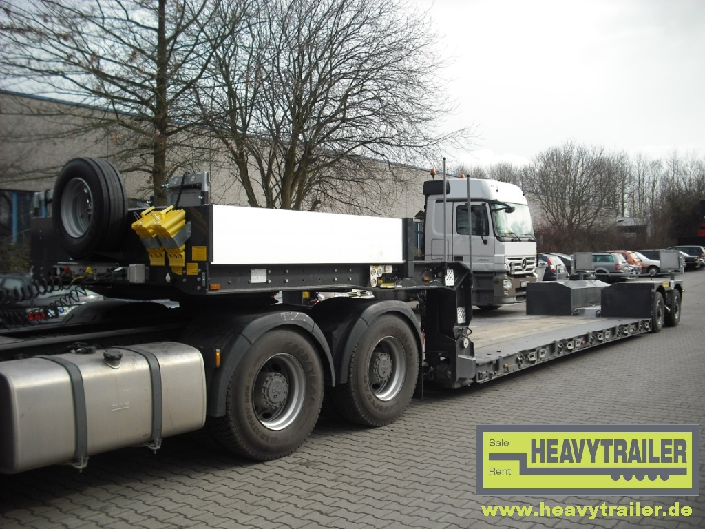 Faymonville 2-axle MEGAMAX trailer with swinging half axles